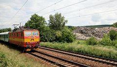 Srazil ho vlak, železničáři nepomohli